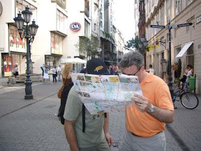 Penjual Peta Palsu