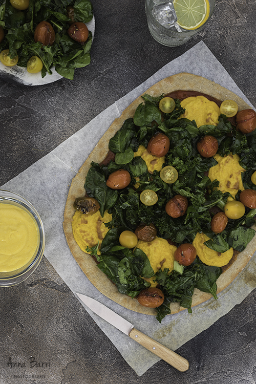Vegan-pizza-kale-tomatoes-cheddar2
