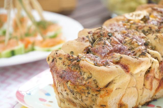 Knoblauch-Kräuter Pull Apart Brot