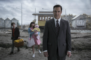 "Patrick Warburton in ""Lemony Snicket's A Series of Unfortunate Events."""