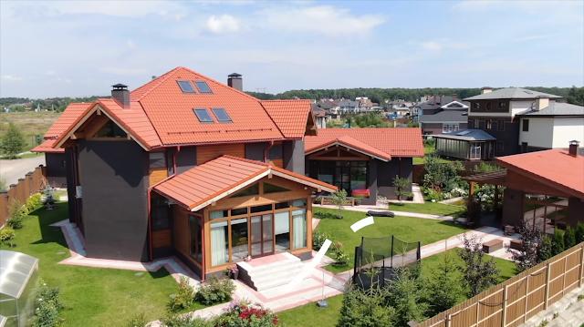 «Скромный» домик родителей Дегтярева разместился в Подмосковье на участке в 1600 кв. м