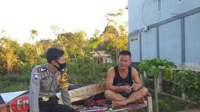 Brigadir Aldo Imbau Warga Patuhi Protokol Kesehatan Saat Kunjungi Desa Binaan