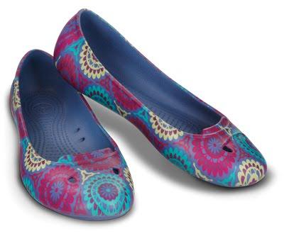 5112646a2 Devitha shop crocs women mccall floral jpg 400x333 Flowered crocs