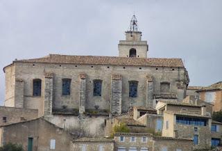 Iglesia románica de Gordes.