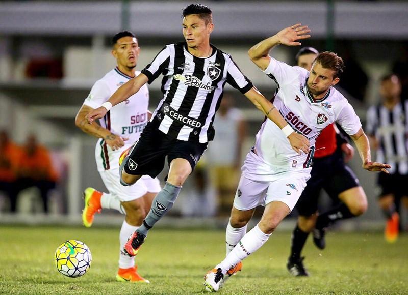 Ap�s Ar�o, Botafogo pode perder Diogo Barbosa para o Flamengo