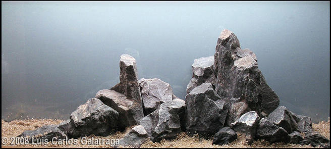 Bố cục đá xanh không kém phần sinh động so với các loại đá khác