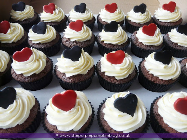 Black, Red & White Heart Wedding Cupcakes | The Purple Pumpkin Blog