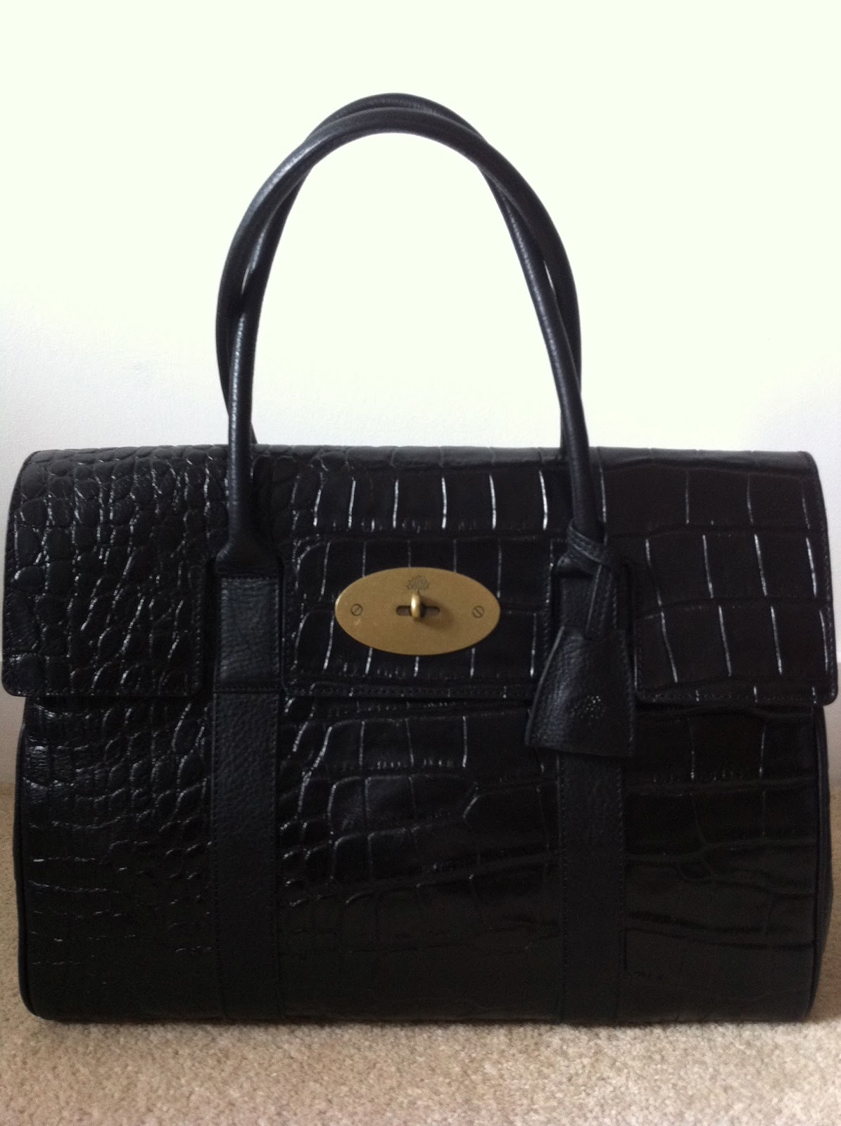 e4bd4bfd6927 (SOLD) Authentic Mulberry Bayswater Black Printed Leather Shoulder Bag For  Sale