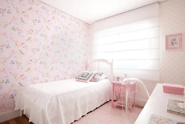 female children's bedroom decor inspiration with birdies wallpaper