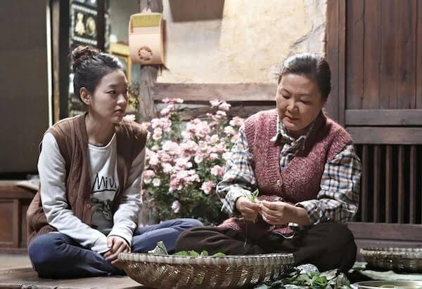 6 Film dan Drama Korea Tentang Ibu Paling Menyentuh Hati