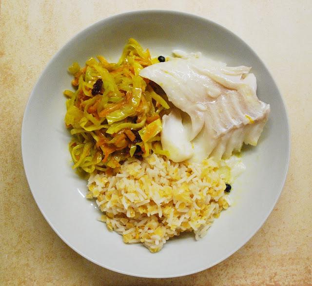 Chou sauté au curry et cabillaud au coco