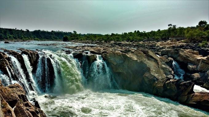 Dhuandhar Falls Bhedaghat Jabalpur