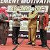 Bupati Irfendi Arbi Terima Penghargaan Achievement Motivation Person