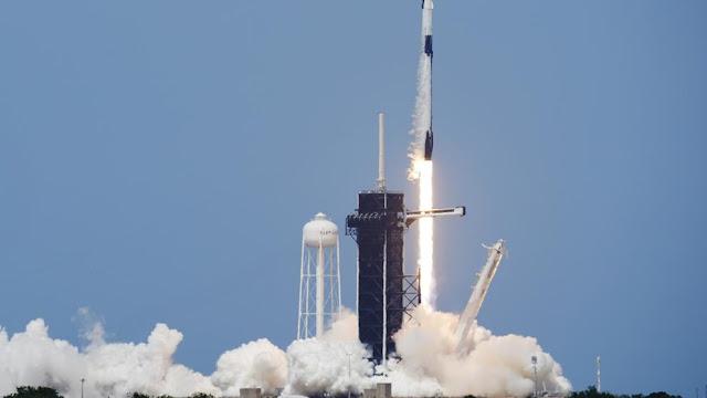 Korsel luncurkan satelit militer di SpaceX