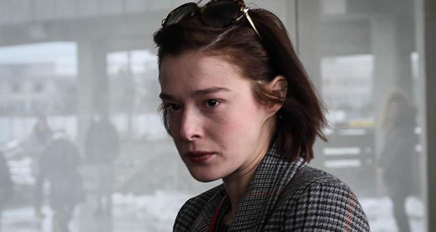 Глумица Милена Радуловић доспела је у жижу јавности када се одлучила на тежак и, чинило се, храбар корак пријавивши учитеља глуме Мирослава Мику Алексића за силовање.