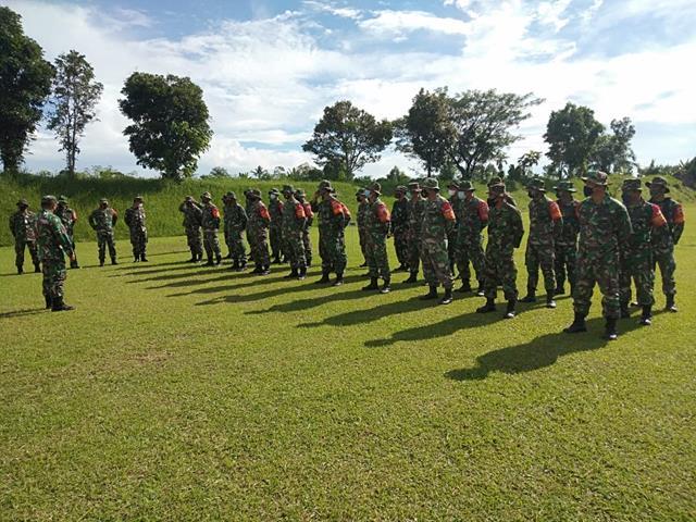 Asah Kemampuan Personel, Danramil 19/ND Kodim 0207/Simalungun Laksanakan Menembak Senjata Ringan