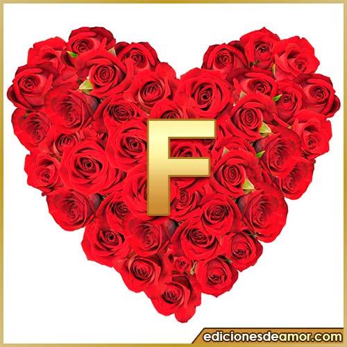 corazón de rosas con letra F