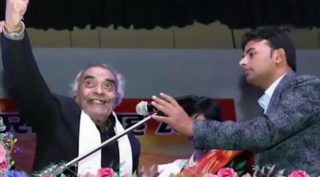 ranu mandal wins himesh reshammiya heart in studio watch inside video - रानू मंडल ने स्टूडियो में इस तरह जीता हिमेश ... -
