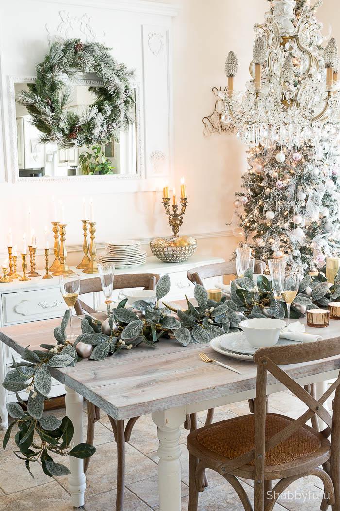 How To Set A Beautiful Holiday Table On A Budget | Shabbyfufu