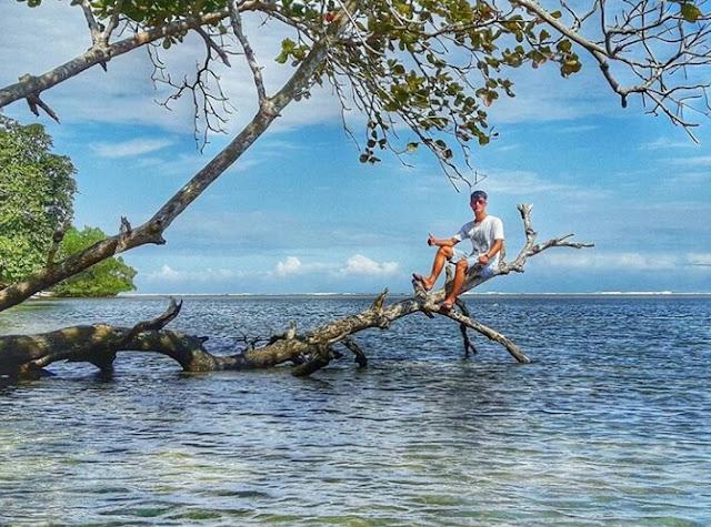 Keindahan Pantai Sancang Plus Misteri Prabu Siliwangi