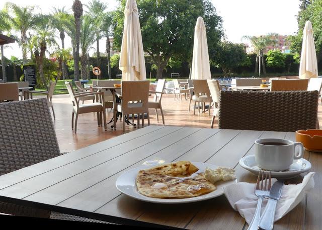 Hotel Atlas Asni, Marrakesch - Frühstück mit Msemen