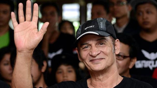 Robert Issac Kaihena atau Robby Sugara, Aktor Senior Dunia Hiburan Indonesia