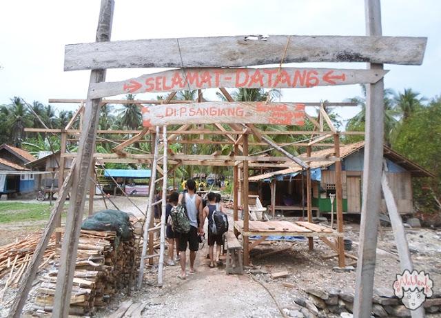 Selamat Datang di Pulau Sangiang journeyofalek.com