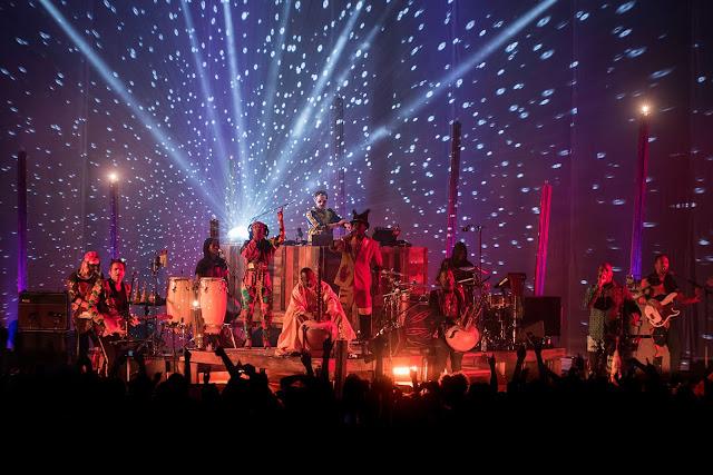 Lamomali, L'aventure malienne de -M-  Matthieu Chedid Live Concert