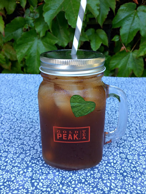 Iced Tea with fresh mint hearts - www.jacolynmurphy.com
