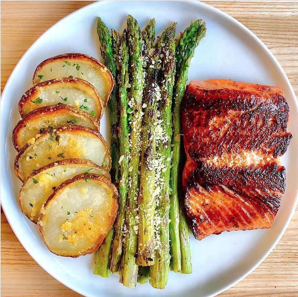 Crispy Honey Garlic Chipotle Salmon -  Save this recipe for later to make ,Tag someone who loves healthy food.