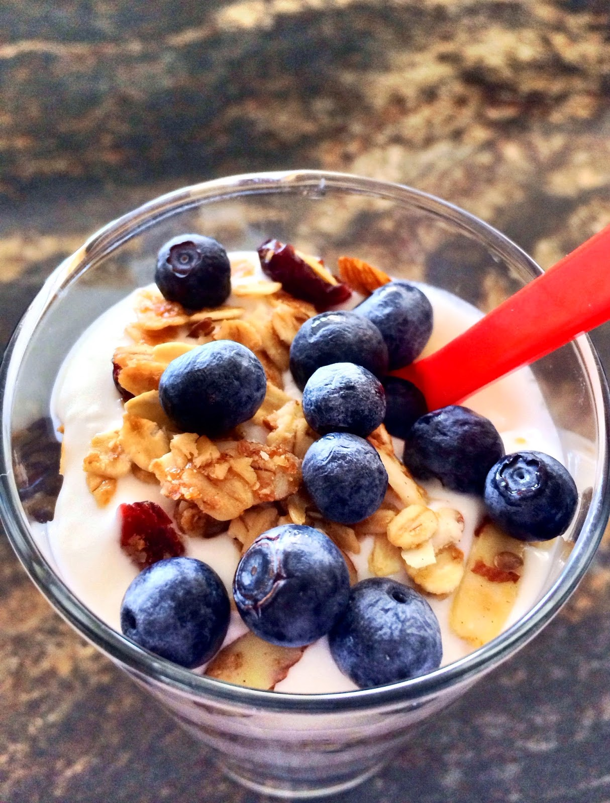 Fresh Blueberry and Granola Parfait by @JavelinWarrior