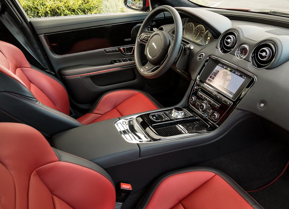 2015 Jaguar XJR interior