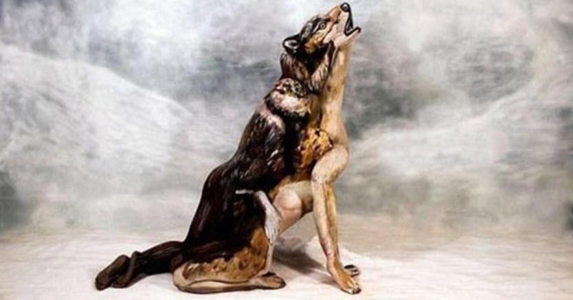 Model Cantik Jadi Serigala
