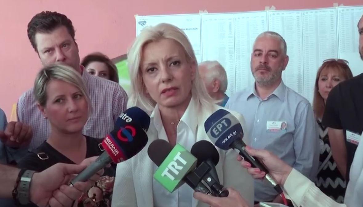 """Η Ρένα Καραλαριώτου δηλώνει: """"Σήμερα ψηφίζουμε νέους ανθρώπους, νέες ιδέες, νέα δήμαρχο"""" (VIDEO)"""