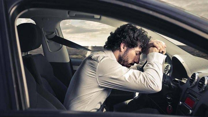 Lái xe đường dài một mình, cần chú ý điều gì?
