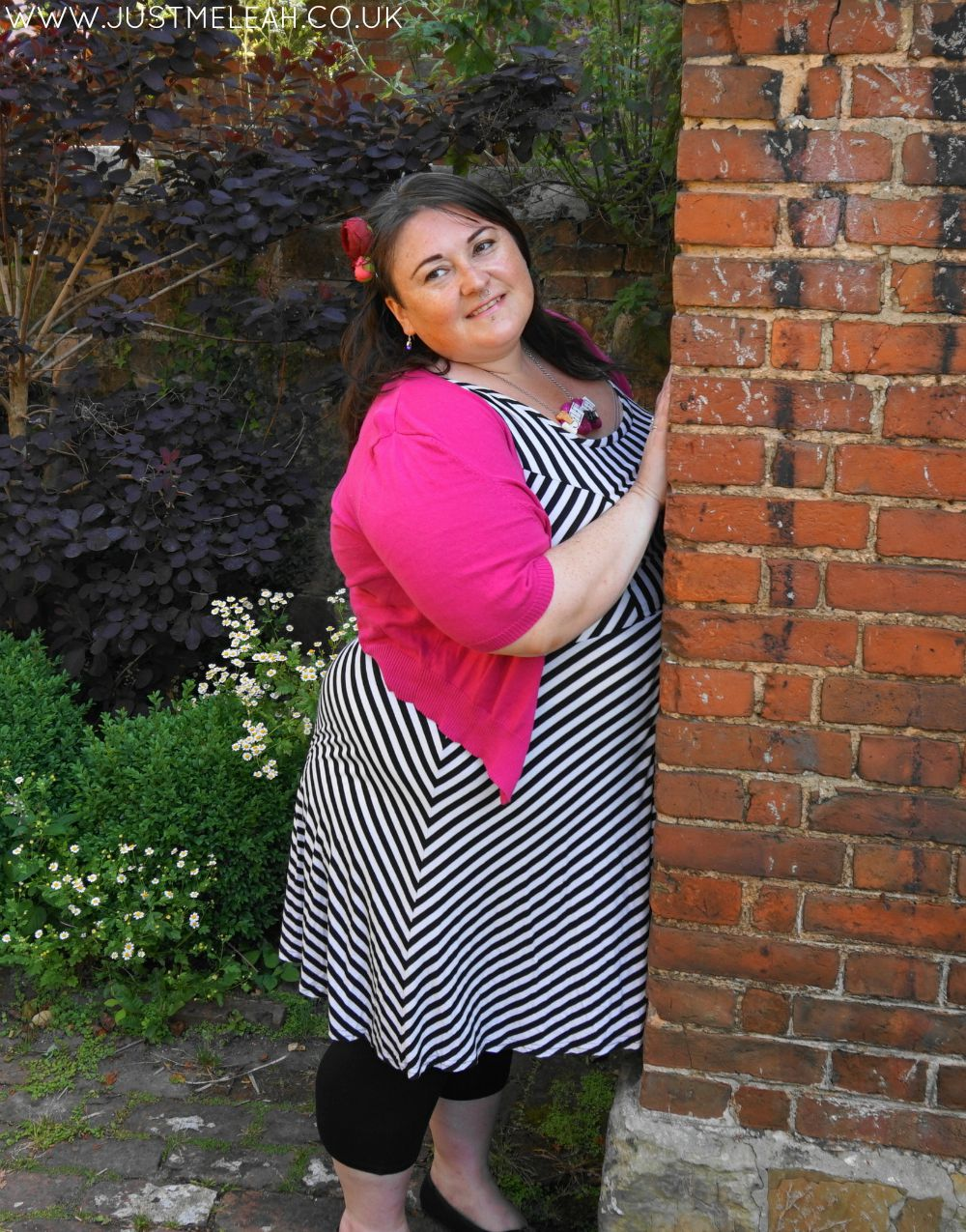 PLUS SIZE BLACK WHITE PINK OUTFIT