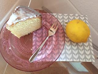 Backen mit Kindern: Zitronenkuchen / Kuchenstück / Zitrone