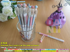 Souvenir Pen Lovely Cat Pita Warna Pastel