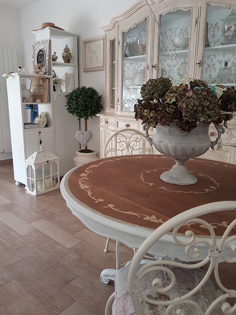 tavolo, shabby chic, decora facile, casa facile, arredamento, soggiorno, chalkpaint
