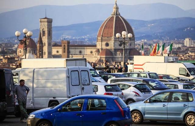 Como saber se vale ou não a pena alugar um carro em Florença?