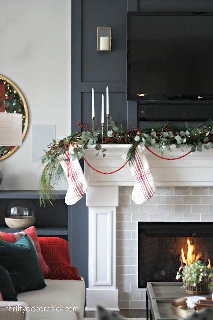 Simple way to decorate mantel