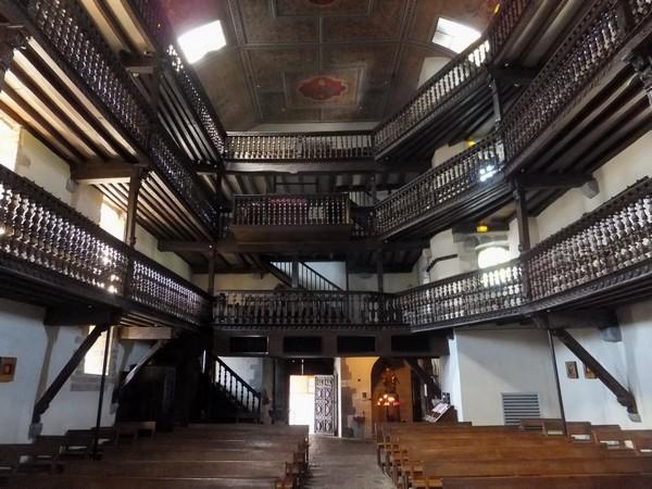 pays basque espelette église galeries