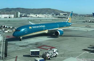 Máy bay của Việt Nam Airline đáp xuống sân bay Anchorage để tiếp nhiên liệu