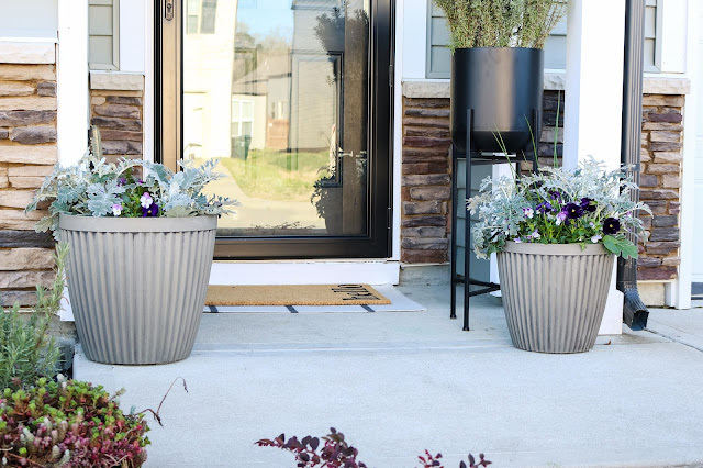 Tips to Freshen Up Your Porch for Spring