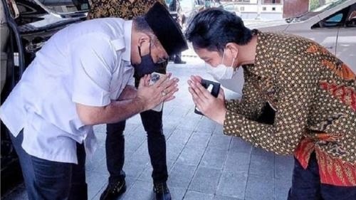 Beredar Foto Menag Sungkem ke Gibran, Netizen: Musim Pandemi, Menjilat Tingkat Dewa Demi Langgengnya Jabatan