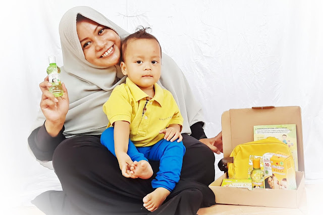 Cara Menghangatkan Bayi Bersama Telon Lang