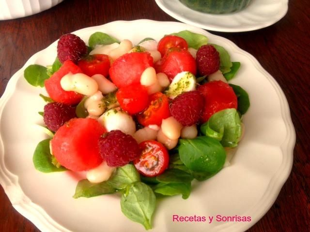 Ensalada de judias blancas sandia tomatitos y frambuesas - Ensalada fria de judias blancas ...