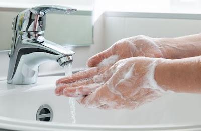 sabun cuci tangan cair