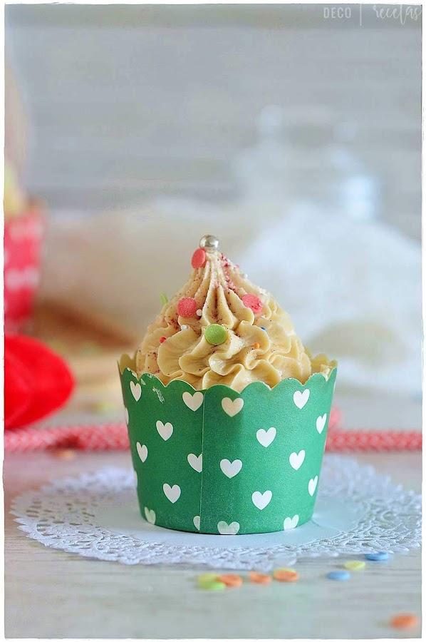 Cupcakes de turrón Jijona/ Xixona especial para postres Navideños Thermomix. Cupcakes recetas. Cupcakes decorados.receta cupcakes.