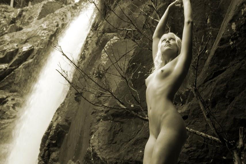 20040310_-_Girl_-_Coco_Island_-_by_Ben_Heys.zip.MET-ART_bh_5_0011 Met-Art 20040311 - Alessandra D & Juliette - Inspire - by Natasha Schon